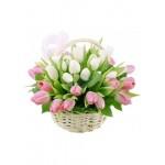 Корзина из 35 тюльпанов