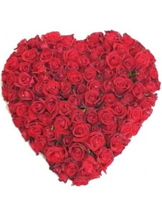 Сердце из белоснежных роз